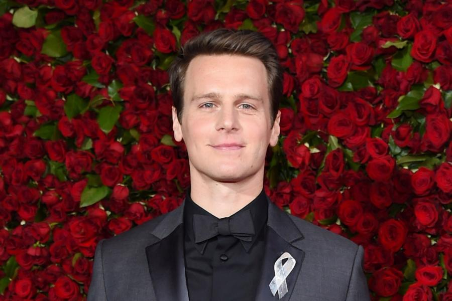 News News How 'Looking' Helped Jonathan Groff Learn to Like Being Gay