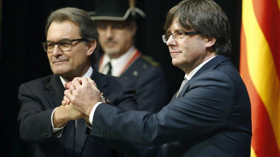 Politica Politica El Gobierno pone en marcha el cerco legal contra los independentistas catalanes.