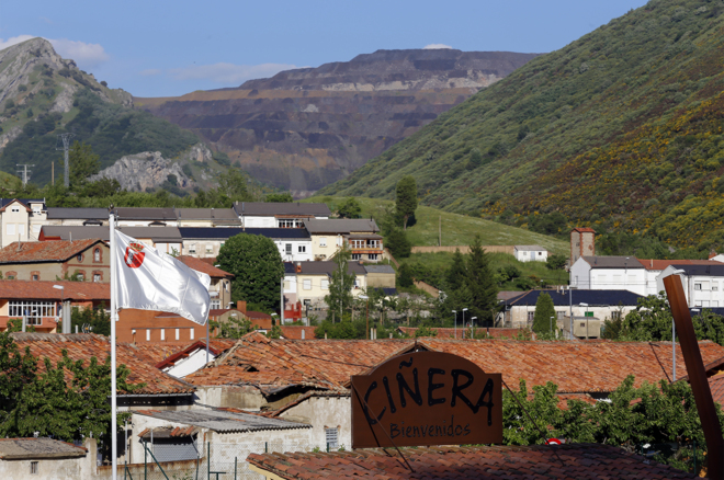 Inmobiliaria Inmobiliaria Se vende pueblo minero