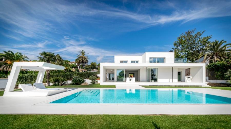 Inmobiliaria Inmobiliaria De 'casa de la abuela' a mansión de lujo: la increíble reforma de una vivienda abandonada