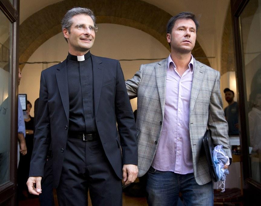 """Actualidad Actualidad Krysztof Charamsa: """"Mi salida del armario ha sido un gesto cristiano"""""""