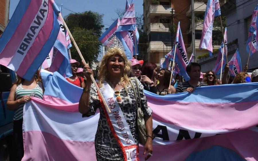 America America Masiva protesta de la comunidad LGBTI en Paraguay