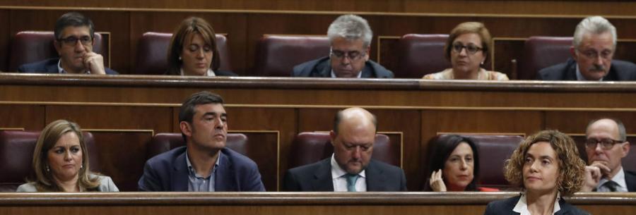 Politica Politica El PSOE abre expediente a los 15 diputados díscolos antes de imponerles la multa