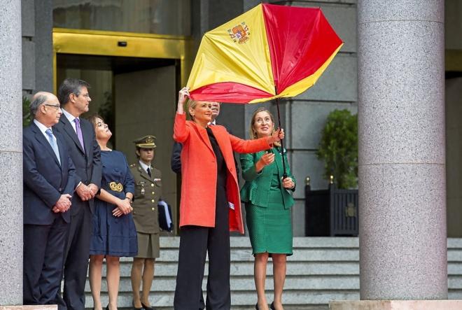 España España Ex diputados del PP recurren la ley de derechos homosexuales de Cristina Cifuentes