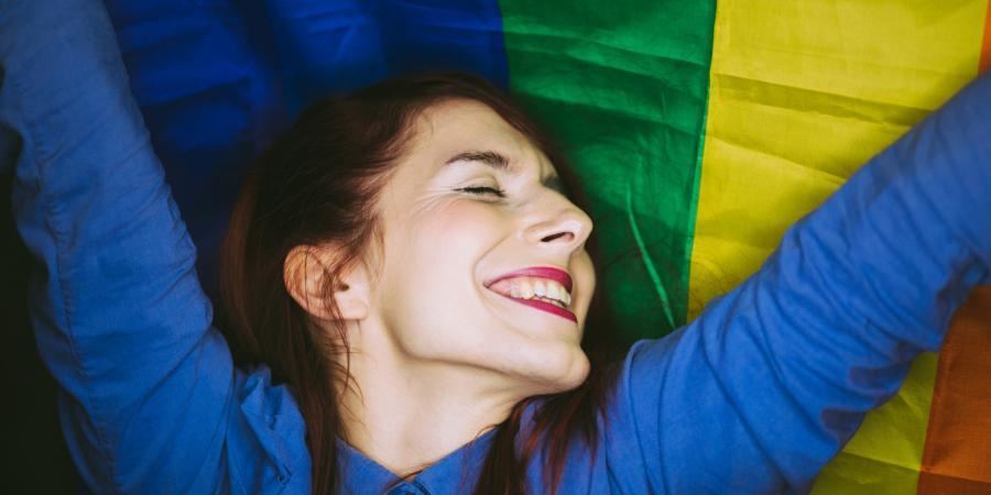 Bisexuales Bisexuales Esta abuela descubrió que su nieta era bisexual y le hizo un regalo único