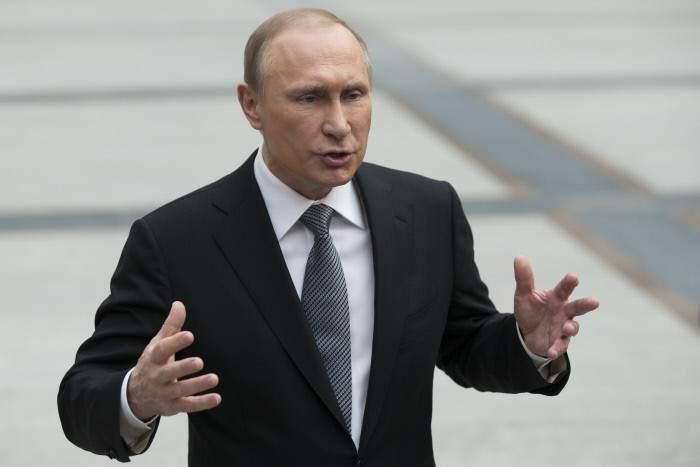 Actualidad Actualidad Rusia prohíbe las imágenes que insinúen que Putin es gay