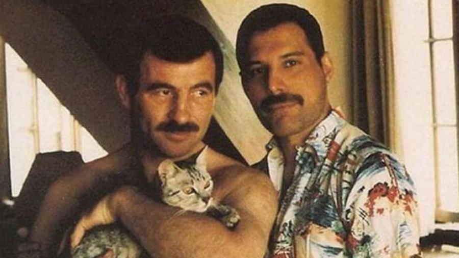 Actualidad Actualidad Sale a la luz el álbum de fotos de Freddie Mercury y su última pareja