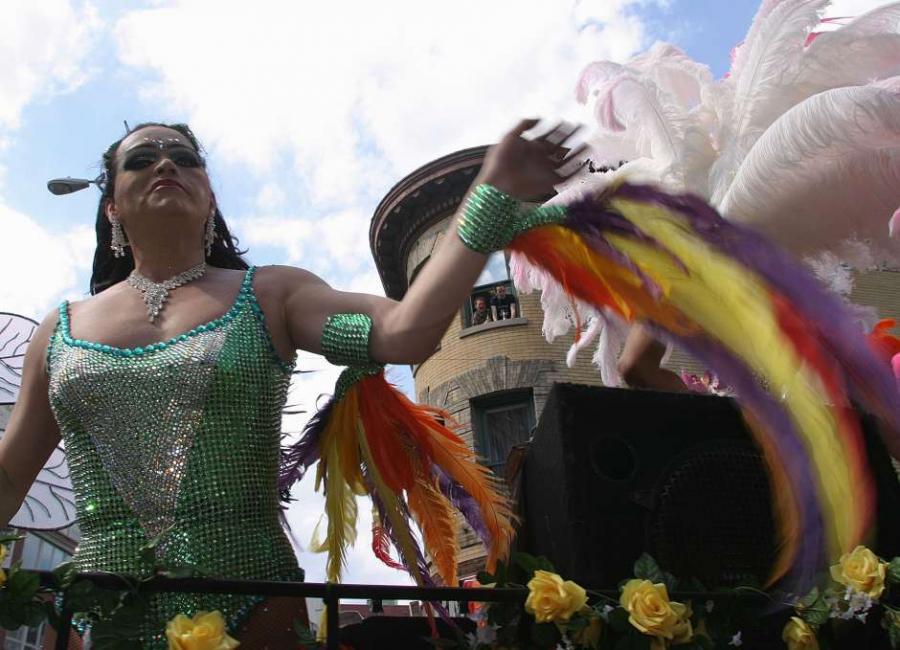 America America Latinos gays de Queens celebran su orgullo conpreocupación