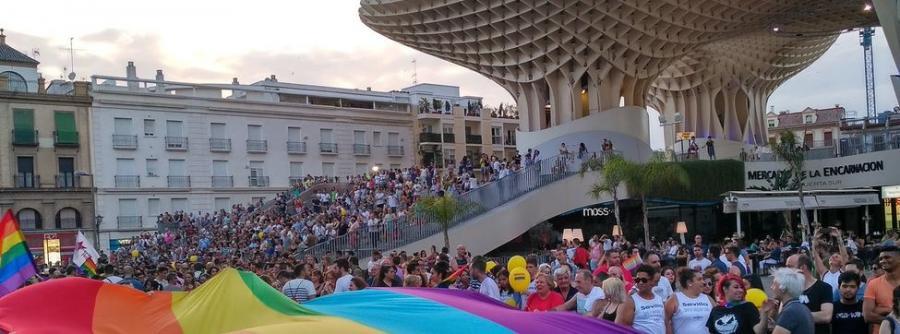 Actualidad Actualidad La marcha del Orgullo de Andalucía reúne a 30.000 personas por la igualdad LGTBi en el mundo