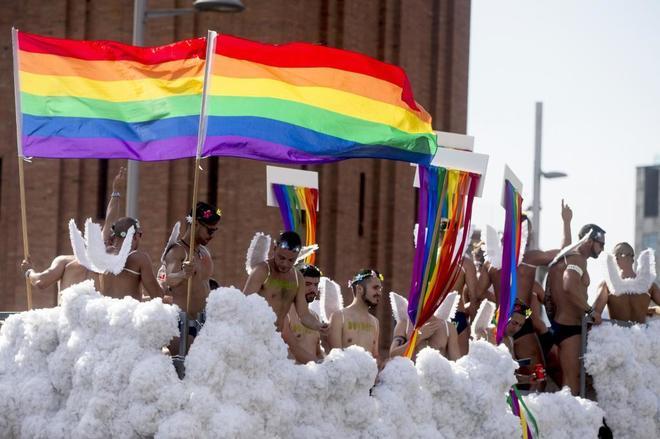 Actualidad Actualidad El desfile del Orgullo Gay reúne a 50.000 personas en Barcelona
