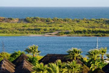 Turismo Turismo El Rompido, un paraíso en Huelva: por qué tienes que ir a bañarte a la playa de la Flecha