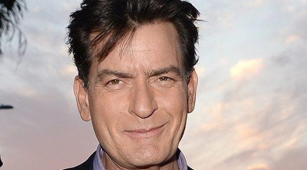 Actualidad Actualidad Charlie Sheen ('Dos hombres y medio') es denunciado por una exnovia por exponerla al VIH