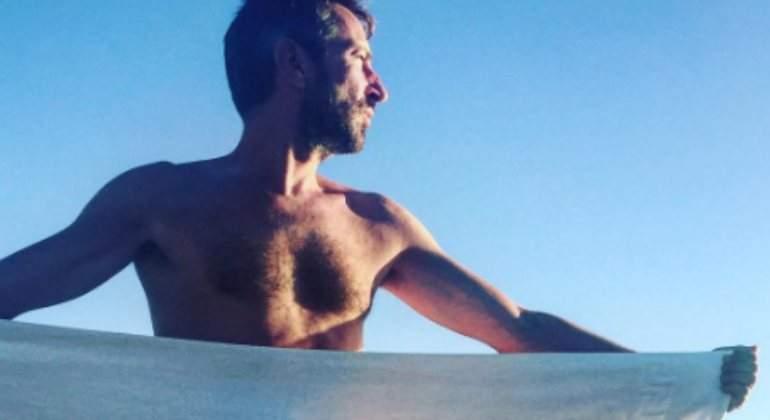 Actualidad Actualidad David Valldeperas se desnuda: el director de 'Sálvame' presume de pene en Instagram