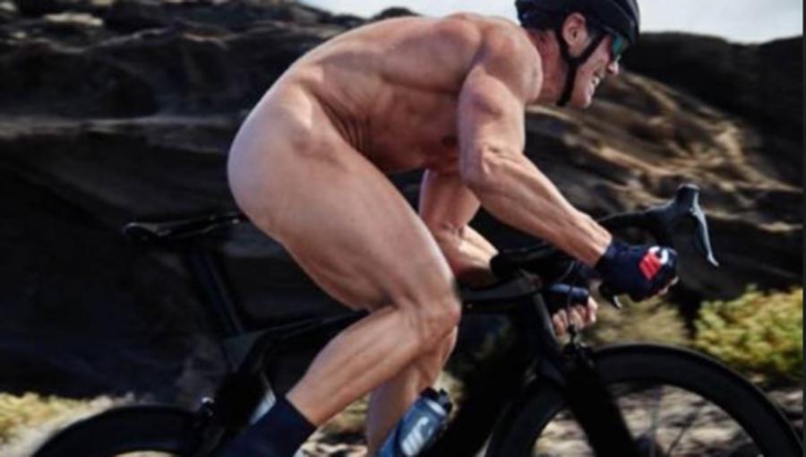 Deportes Deportes Cipollini se desnuda con 50 años y deja a todos boquiabiertos