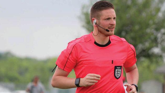 Actualidad Actualidad Árbitro inglés le dice al mundo que es gay para combatir homofobia en el fútbol